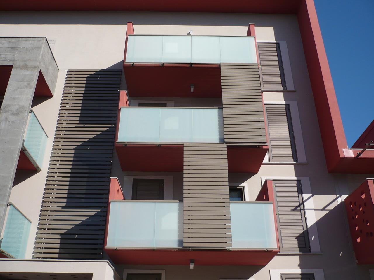 Bonus 65 anche per schermature solari e sostituzione amianto pavimenti rivestimenti - Mature in bagno ...
